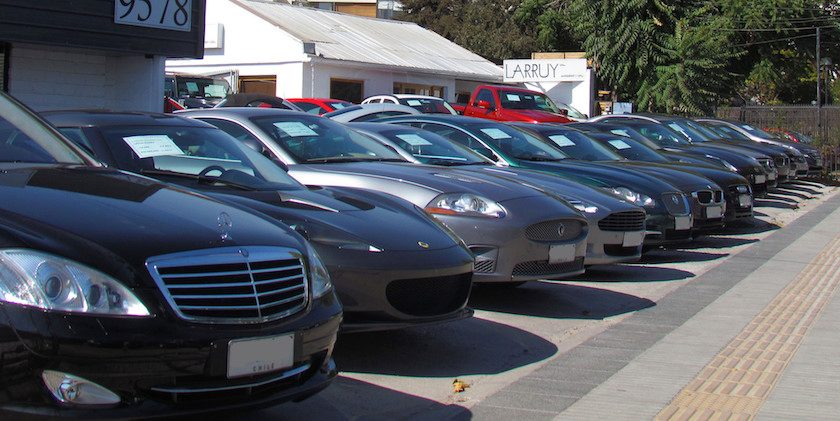Expected Federal Interest Rate Hikes Likely to Cause Speed Bump for Car Sales